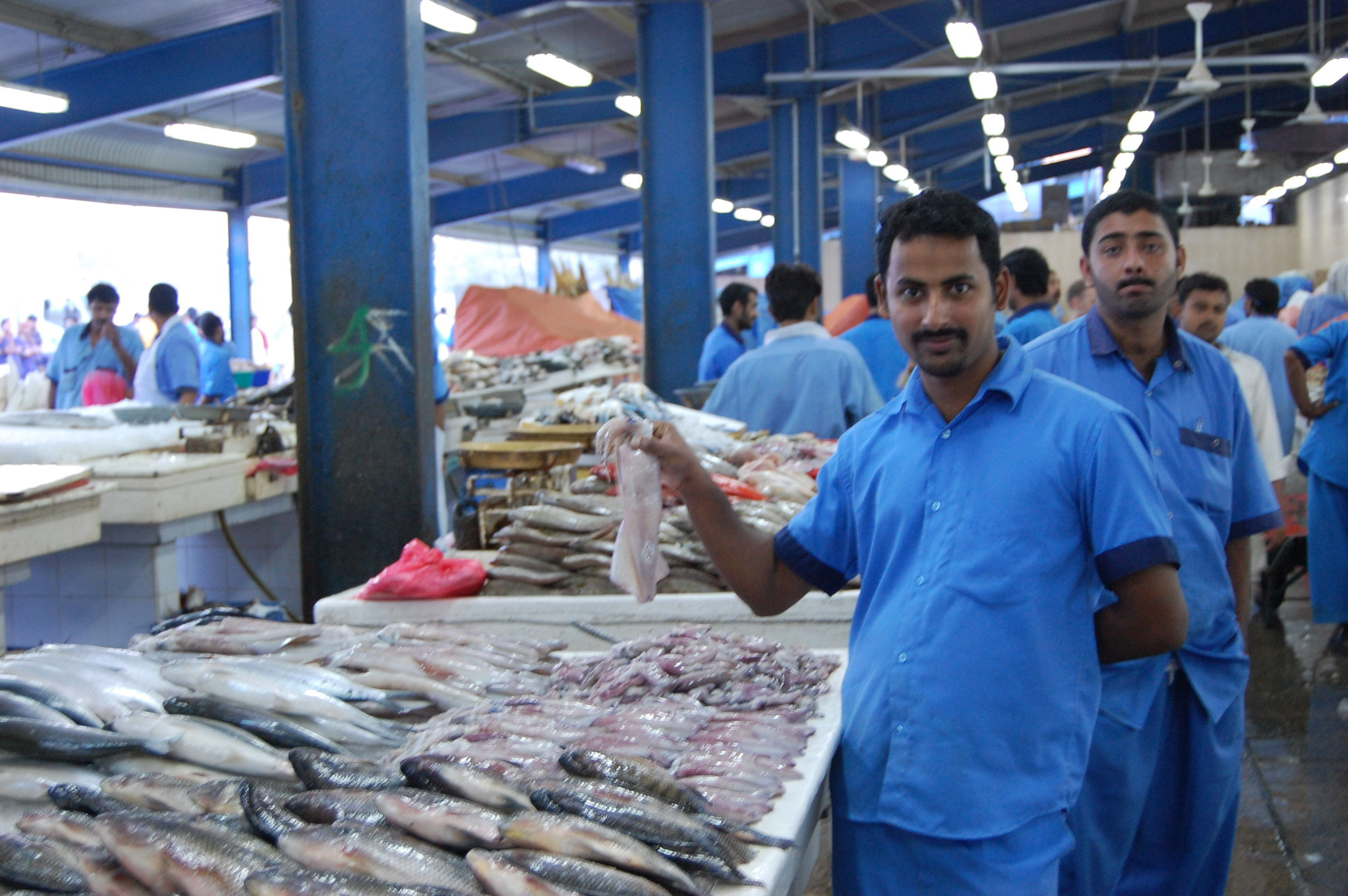 Tips and tales from the fish market part 1 world supper for Wholesale fish market los angeles